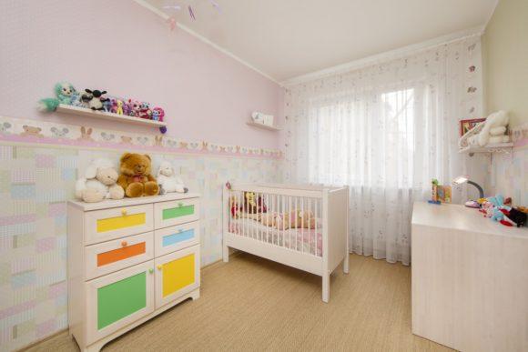 Tütarlapse tuba. Korter Tallinnas